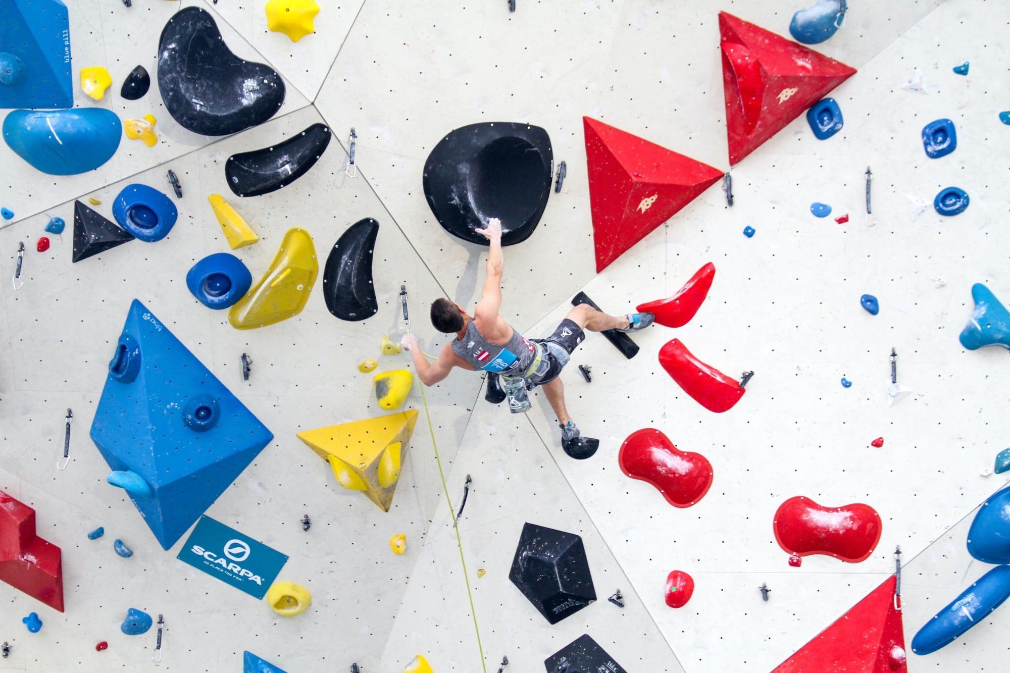 【台中攀岩場推薦】最新台中室內攀岩抱石場介紹,訓練肌耐力新選擇
