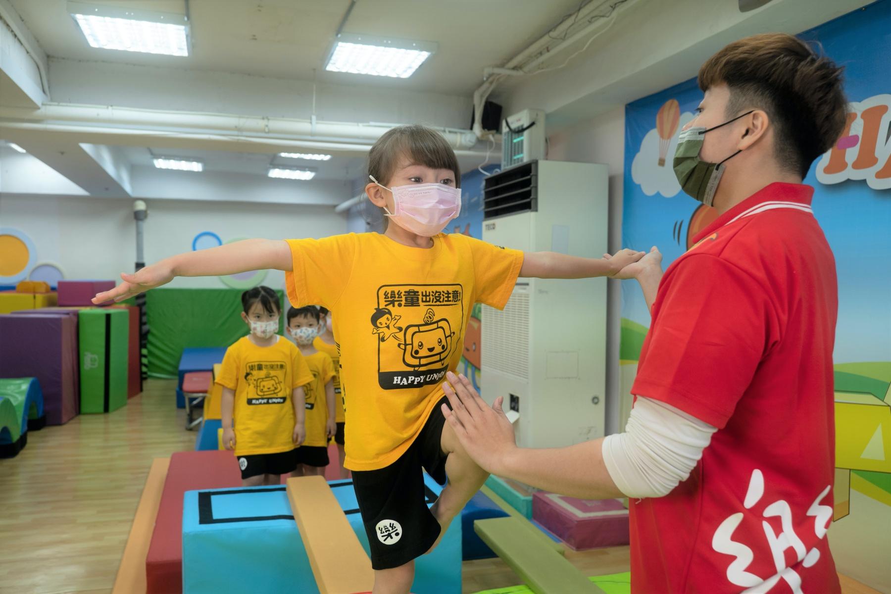 【樂童體操聯盟評價】50分鐘課程玩出孩子潛在力!可愛體操服萌翻全場